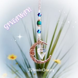 Giveaway Love You To The Moon